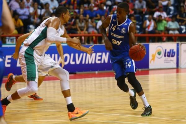 Georginho, um dos destaques individuais da LDB (Foto: Luiz Pires/LNB)