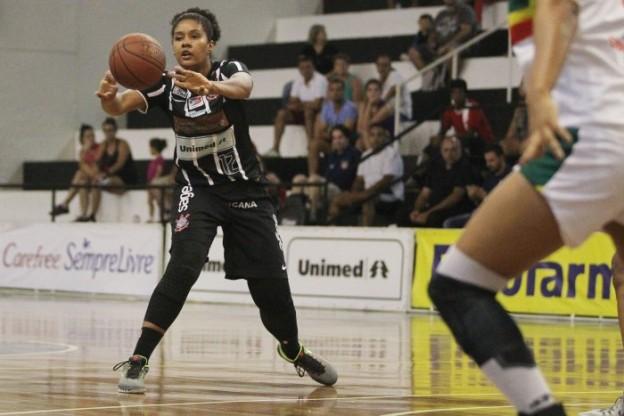 Damiris em ação pelo Corinthians/Americana (Foto: Gaspar Nobrega/Inovafoto)