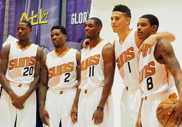 Phoenix Suns aposta em jovens para se reerguer